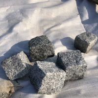 Granitne kocke10x10x8cm